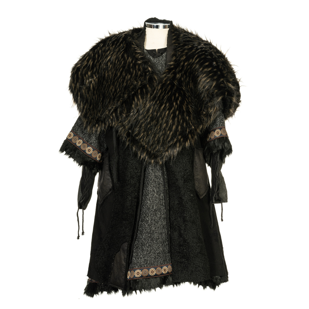 Reversible Fur Mantle - Black